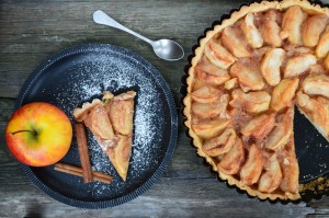 Almost Raw Vegan Cinnamon Apple Pie