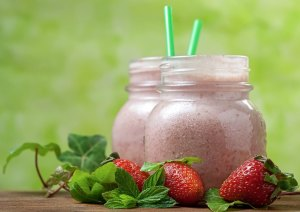 The Ultimate Sports Drink: Kale and Strawberry Energy Boosting Smoothie